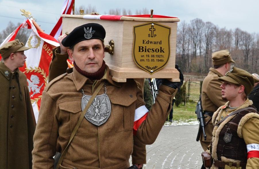 Pogrzeb E_Biesoka